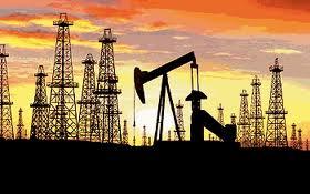 Según el economista Luis Mata Mollejas, Venezuela es la única economía exportadora de petróleo que ha visto devaluar, sostenidamente, su moneda nacional.
